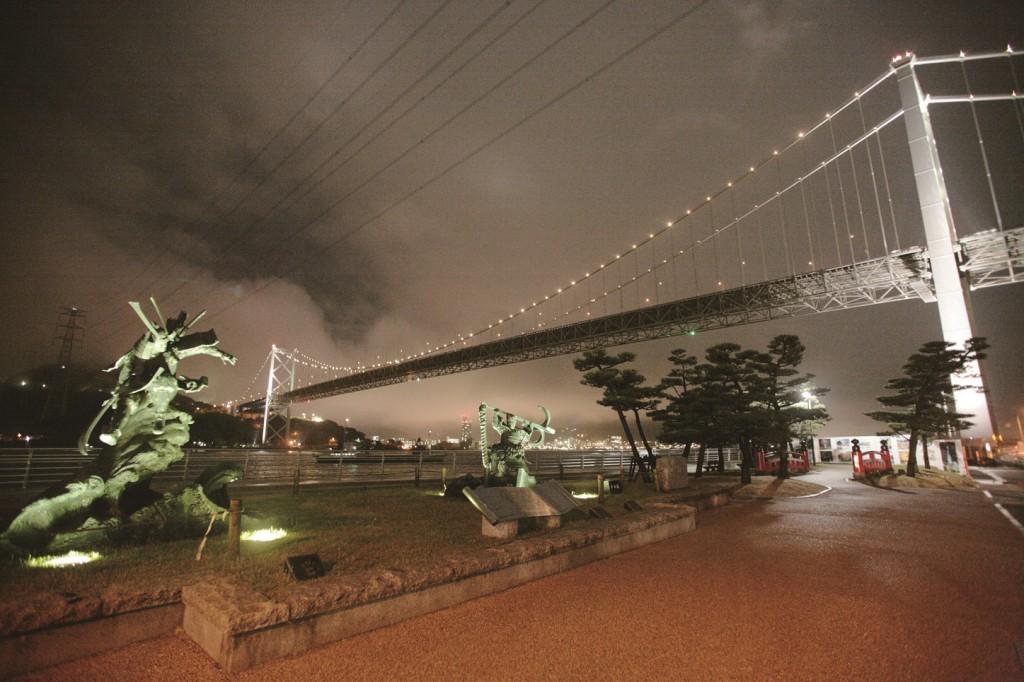 みもすそ川公園から臨む関門橋